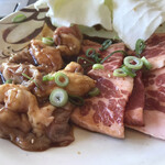 焼肉のかわはら - 牛バラ肉と牛ホルモン
