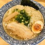 ラーメン ASAHI - 料理写真:見た目よりもさっぱり、うま塩ラーメン♡