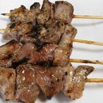 ハマケイ - 豚カシラ串(塩)