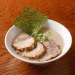 らーめん専門店 小川 - 半ちゃーしゅー麺
