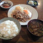 やまそう - 料理写真:豚生姜焼き定食 690円
