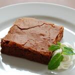 ローリエ - 料理写真:生チョコケーキ