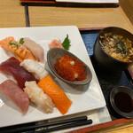 すみれ - 寿司セット(温かいお蕎麦)