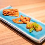 焼肉 うしみつ一門 - キムチの盛り合わせ  白菜、蓮根、カクテキ