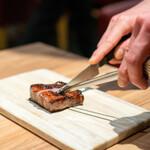 焼肉 うしみつ一門 - 黒毛和牛タン厚切りの醤油焼き