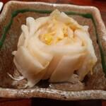 炭火焼 鳥繁  - 白菜漬