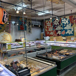 マルトモ水産 鮮魚市場 - 市場方面٩(ˊᗜ、ˋ*)و