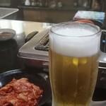 大扇 - オリオンビール生550円、キムチ350円