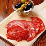 マンインザムーン - ナポリ産イタリアンサラミ&スペイン産ライプオリーブ