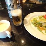 キッチンきむら - サラダ スープ 基本のビール