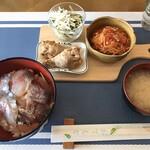cafe やお亭 - 週替りの定食(鯵丼)
