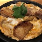 秋田比内地鶏生産責任者の店 本家あべや - 比内地鶏親子丼「極」の大盛(1,869円)