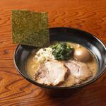 しょうゆのおがわや - 料理写真:味玉Wちゃーしゅー麺