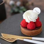 パティスリーアション - 料理写真:2020年4月再訪:タルト・フレーズ☆