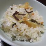 いた屋本家 - 薄い醤油味の出汁と香ばしい鮎の美味しさ♪