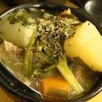 居酒屋 万喜 - 本日の煮込480円也(税別以下同)。ね、野菜スープみたいな見栄えでしょ♪