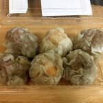 パオパオ - 焼売3種(肉、エビ、黒豚各2個)600円(税別)