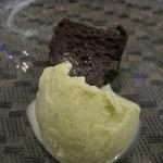 エピセ - 桜餅ちっくな味のアイス