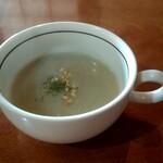 小鳥の樹 - 料理写真:しし豚肉と和風だしのカレー~チーズ焼き~(ライス・スープ付)税込850円のスープ