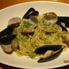 Italian Bar Lunetta - 料理写真:ムール貝とアサリのボンゴレビアンゴ