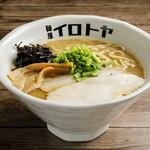 麺屋 イロトヤ - 料理写真:魚介白湯ラーメン(醤油)780円