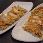 西安餃子楼 - 焼き餃子