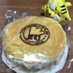 平田製菓 - 料理写真:ふんわりチーズケーキ594円(税込)