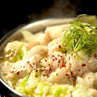 【博多もつ鍋】【博多水炊き】【呼子の活烏賊】博多の郷土料理