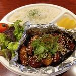 酒場食堂とんてき - 酒場食堂とんてき名物 自家製赤味噌だれの「特製トンテキ」のお弁当です。