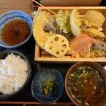 天ぷらとサカナ 天ぷら酒場 KITSUNE - 天ぷら定食(¥880)