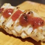 129376980 - (20)梅やげん                       ゴリッとした歯応え、でも軟らかい                       やげんに付いた肉は脂があり、旨みもある                       梅肉の酸味も良いですね♪