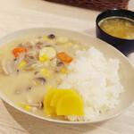 トンテキ食堂8 - クリームシチューwithライス(750円)