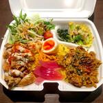 鶏motto - 鶏ミンチのスパイスキーマカレー(税込500円) (+200円でチキンオーバーライスあいがけ)