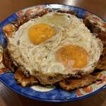白楽天 - 料理写真:これぞ元祖!焼豚玉子飯