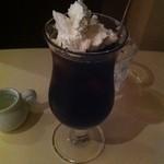 名曲喫茶ミニヨン - アイスウインナーコーヒー