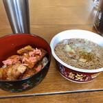 コストコ - 豚丼とカップ麺
