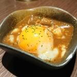 四文屋 - 煮込み温玉 ¥150