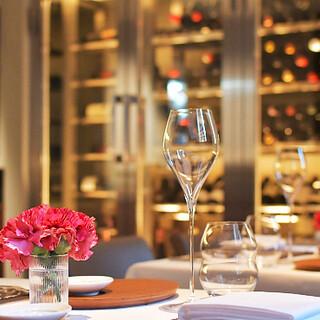 料理をイメージしてセレクトしたワインをベストな状態でご提供