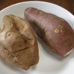 トキワ物産 - 左が安納芋、右が紅はるか