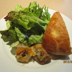 オステリアリベロ - ランチ 前菜とパン
