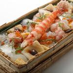 板前寿司  - 極上ばらちらし(竹箱)