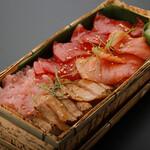 板前寿司  - 極上本まぐろちらし(竹箱)