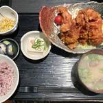 Gyouzanabeachankitashinchi - 鶏の唐揚げ定食