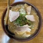 新進亭 - 味噌ラーメン 720円