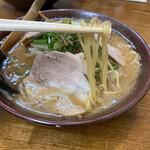 新進亭 - 味噌ラーメン 720円 (リフト)