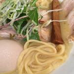 ラーメン ロケットキッチン - 麺ミセ ( ´θ`) 平打ち目でコレもイイ