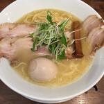 ラーメン ロケットキッチン - 特別(麺大盛0.5+チャーシュー1枚+煮玉子) 鶏白湯塩ラーメン