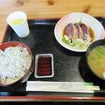 鰹処ぼっちり - 「ちりめん丼とたたきのセット(¥780-)」