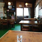 満洲飯店 - 寂しい店内