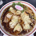 呂望 岱山亭 - 料理写真:ワンタンは8枚くらい入ってました。
